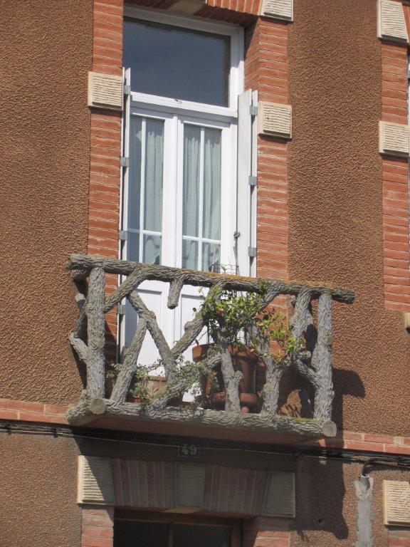 French Rustic Log Balcony Railing